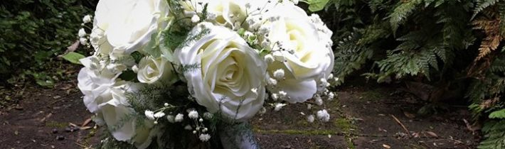 Our very simple 'unreal' bouquet for Jan and Anthony who were married at Cedar…