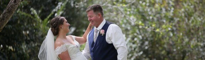 Beautiful images by Linda Pasfield Photography, of Kate & Jeff's wedding at Cedar Creek…
