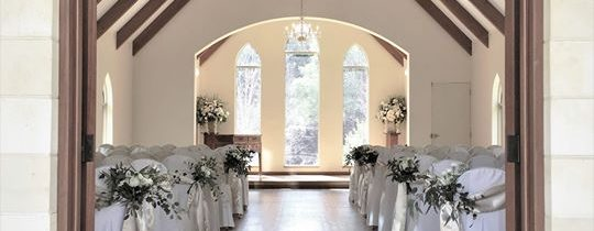 Alisha & Lachlan chose one of the prettiest chapels for their wedding on Saturday,…